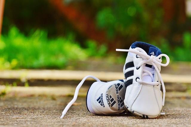 Resplandor patinar abrazo  Las 5 mejores zapatillas Adidas baratas de 2020
