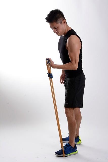 Ejercicios con banadas elásticas para tus piernas